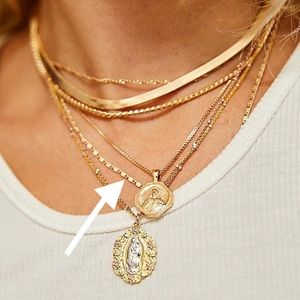 Jewelry - SALE💫Dainty gold chain necklace